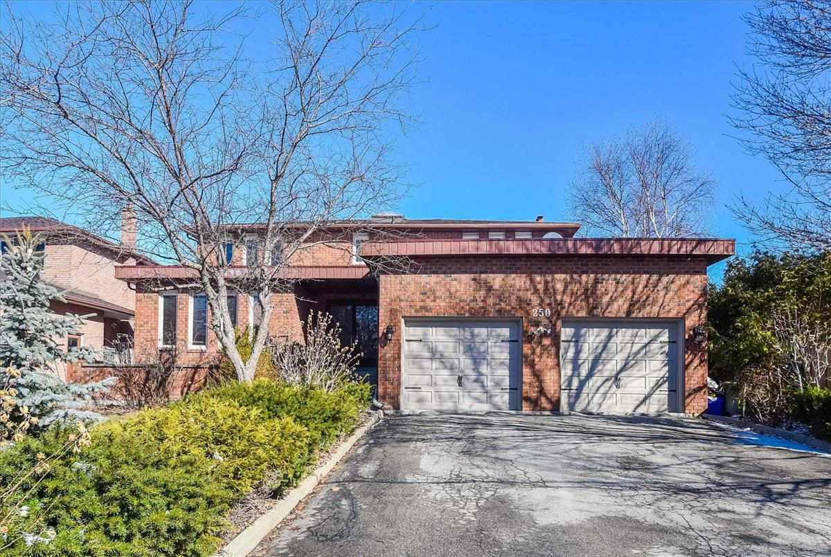 250 Weldrick Rd W Richmond Hill Jim and Sharon McLachlan